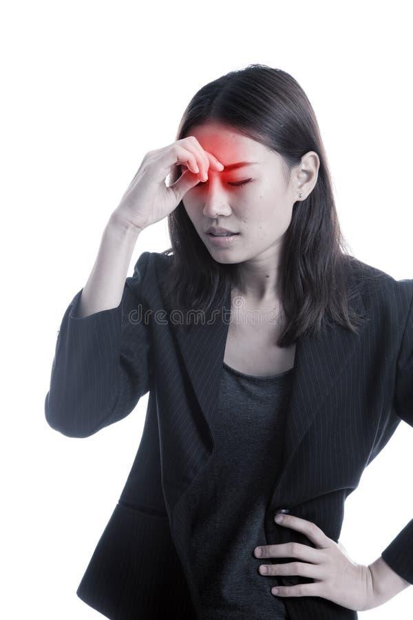 Junge asiatische Geschäftsfrau erhielt krank und Kopfschmerzen lizenzfreies stockbild