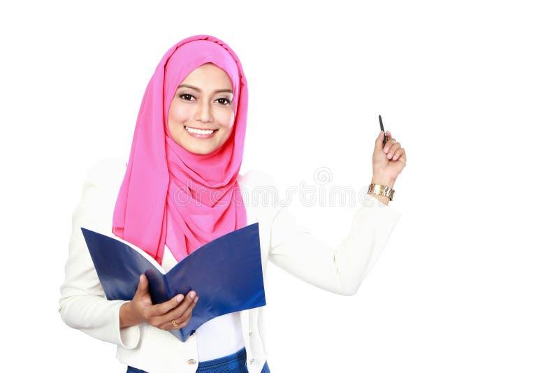 Junge asiatische Studentenfrauendarstellung stockfoto