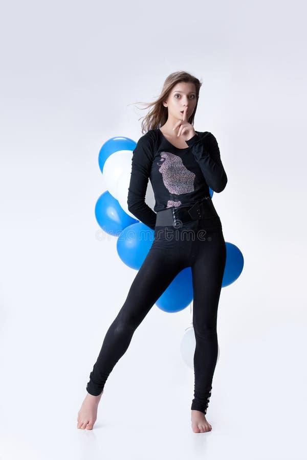 Download Junge attraktive Frau stockfoto. Bild von anklang, leute - 12200190