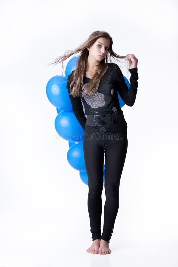 Download Junge attraktive Frau stockbild. Bild von erwachsener - 12200231