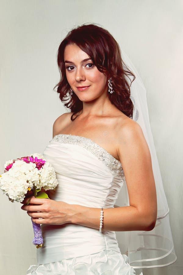 Junge Braut stockfotografie