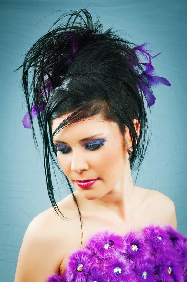 Junge Braut im Studio stockbild