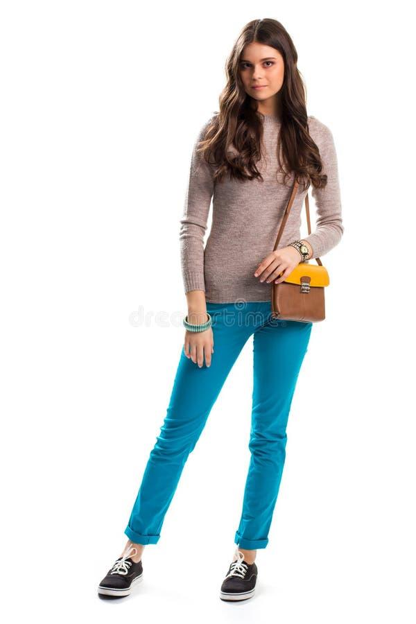 Junge Dame im beige Pullover lizenzfreies stockfoto