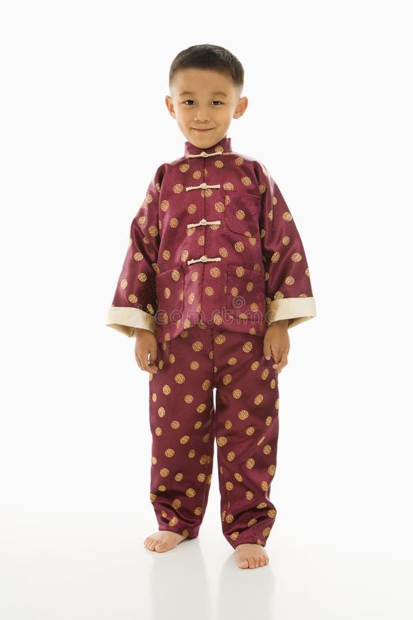 Junge In Der Asiatischen Kleidung Stockbild - Bild von filipino ...