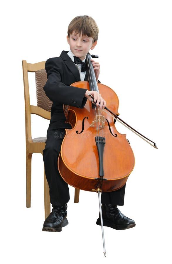 Junge, der das Cello spielt stockfoto