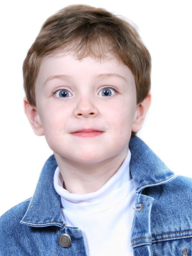 Junge in der Denim-Jacke stockbild