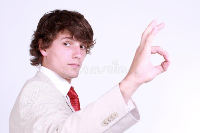 Junge, der Geste zeigt lizenzfreies stockfoto
