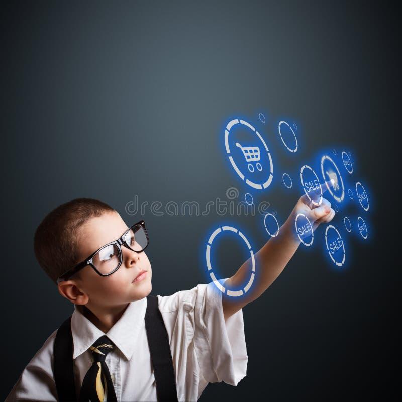 Junge in einem erwachsenen Anzug lizenzfreie abbildung