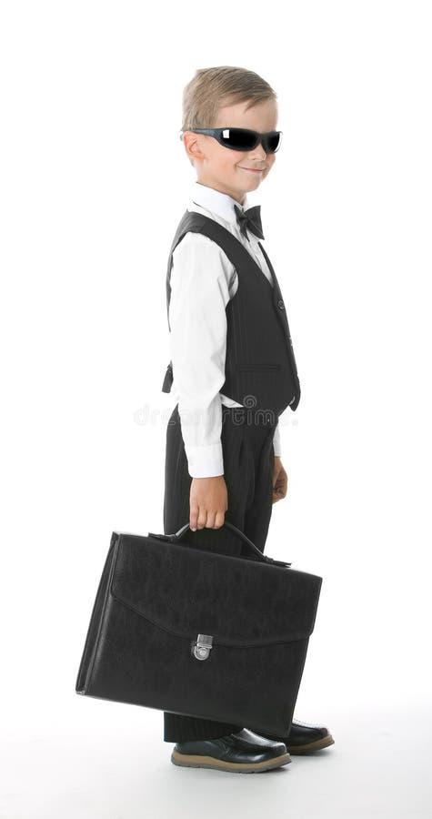 Junge in einer Klage lizenzfreies stockfoto