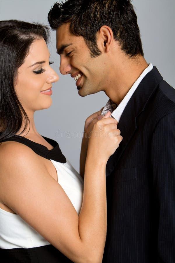 Junge ethnische Paare lizenzfreie stockfotos