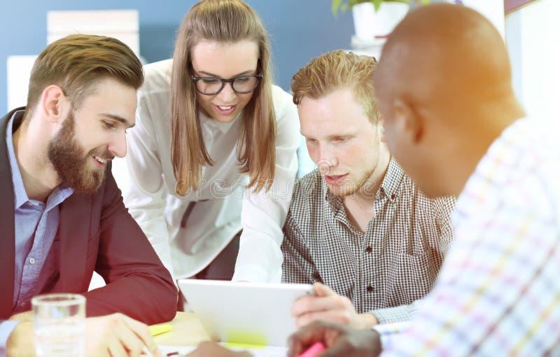 Junge Fachleute lizenzfreie stockbilder