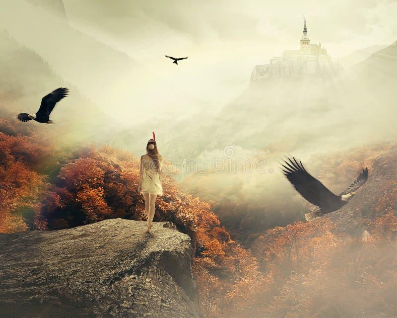 Junge Frau, die in ihre Träume genießen schöne Herbstberglandschaft geht stockbilder