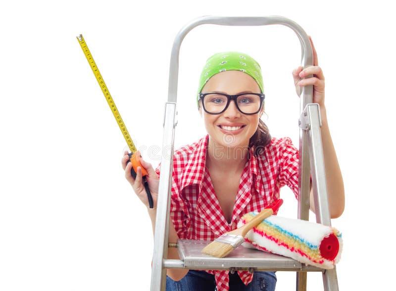 Junge Frau Houseworker lizenzfreie stockfotografie