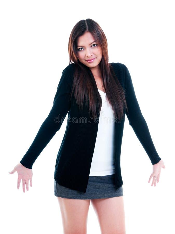 Junge Frau im ahnungslosen Ausdruck lizenzfreie stockfotos