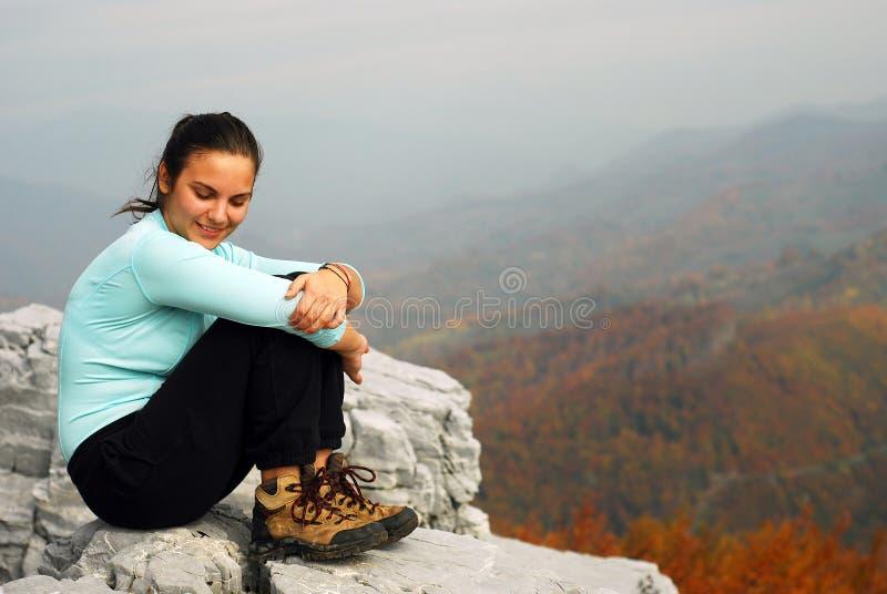 Junge Frau im Freien lizenzfreies stockbild