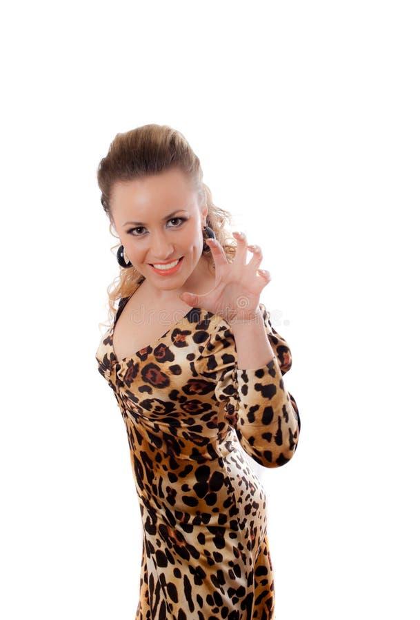 Junge Frau im Leopardkleid stockfotos