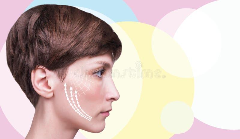 Junge Frau mit sauberer frischer Haut stockbilder