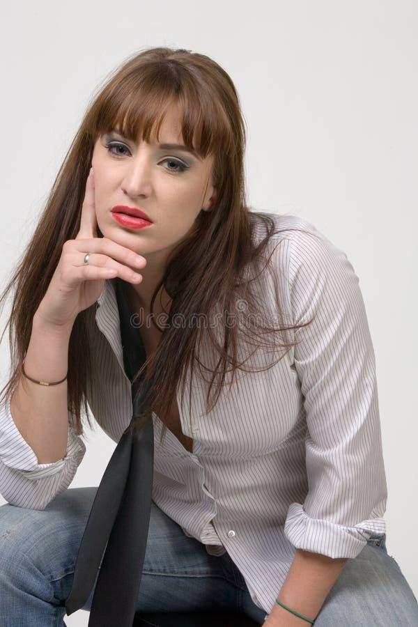 Junge Frauen-Aufstellung stockfotos