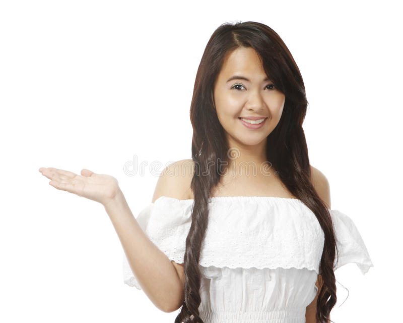 Junge Frauen-Darstellen stockfotografie