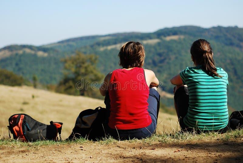Junge Frauen im Freien lizenzfreies stockfoto
