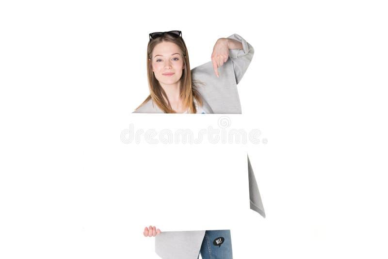 Junge Frauen mit Anzeige stockbilder
