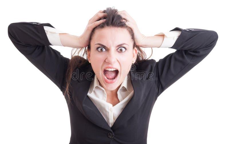 Junge Geschäftsfrau, die nach dem Druckschreien und -ruf verrückt fungiert lizenzfreies stockbild