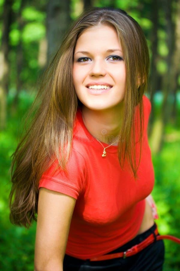 Junge glückliche Frau stockfotos