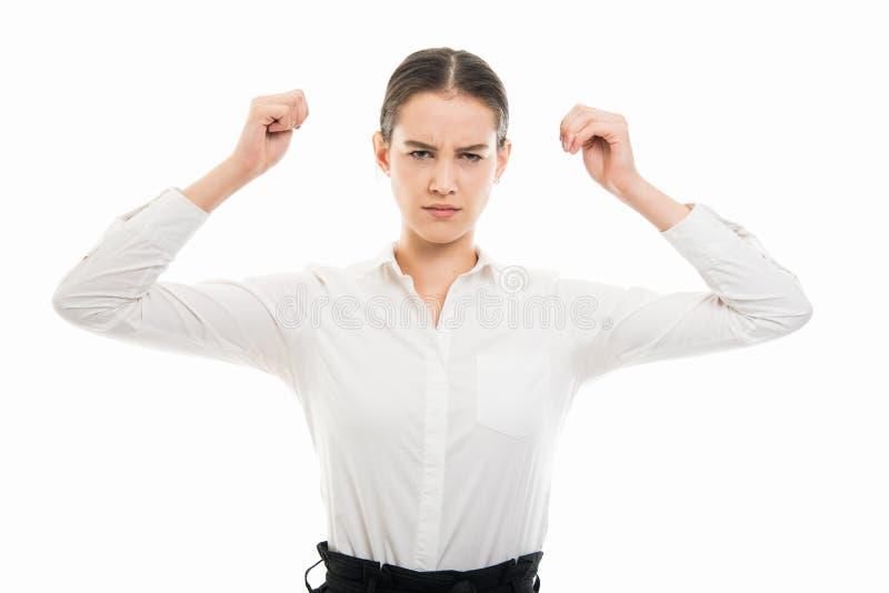 Junge hübsche Geschäftsfrau, die wütende Geste zeigt stockbilder