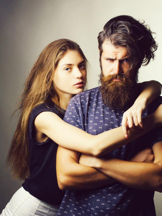 Junge hübsche Paare lizenzfreie stockfotografie