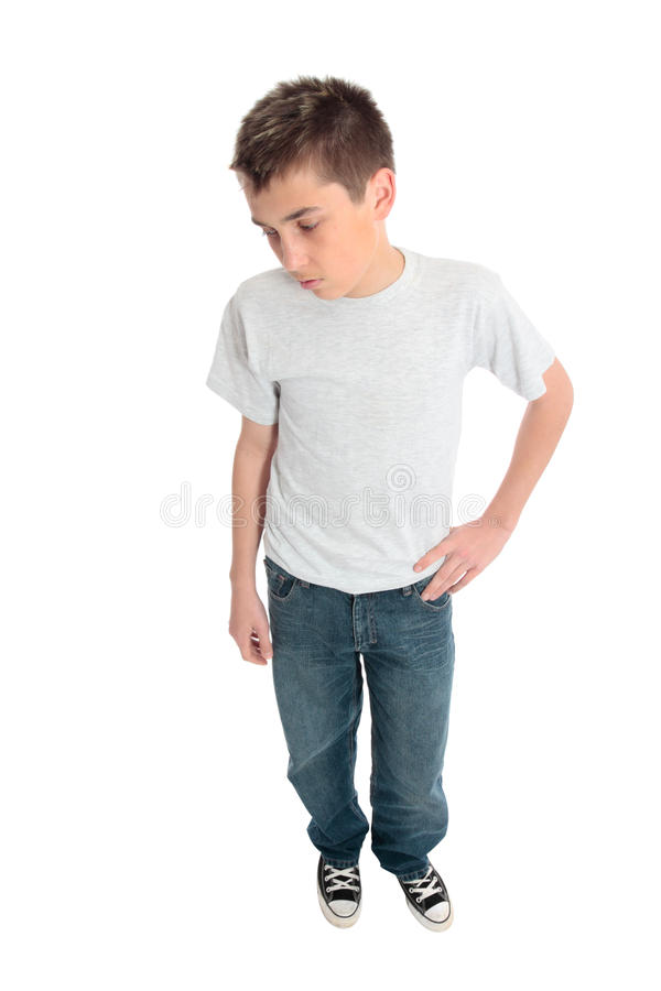 Junge im normalen T-Shirt lizenzfreies stockbild
