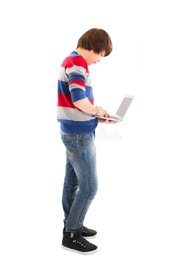 Junge immer online stockfoto