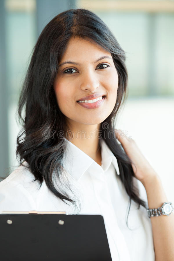 Download Junge Indische Geschäftsfrau Stockbild - Bild von froh, geschäftsfrau: 26366899