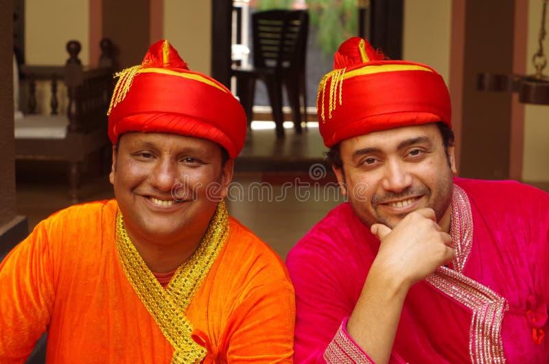 Junge indische Männer in traditionellem dress-1 lizenzfreies stockbild