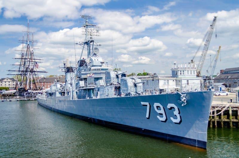 Junge-Kriegsschiff USSs Cassin stockbild