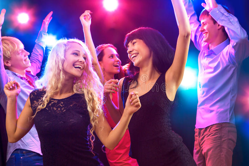 Junge Leute an der Partei. lizenzfreies stockfoto