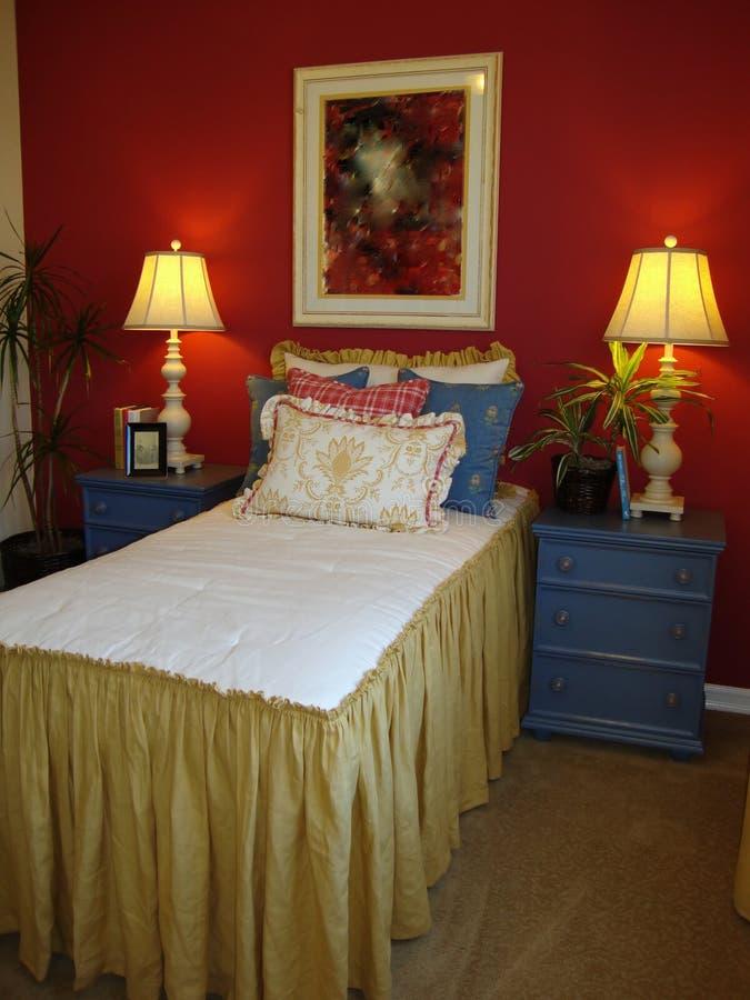Junge Mädchen-Bett-Raum stockbilder