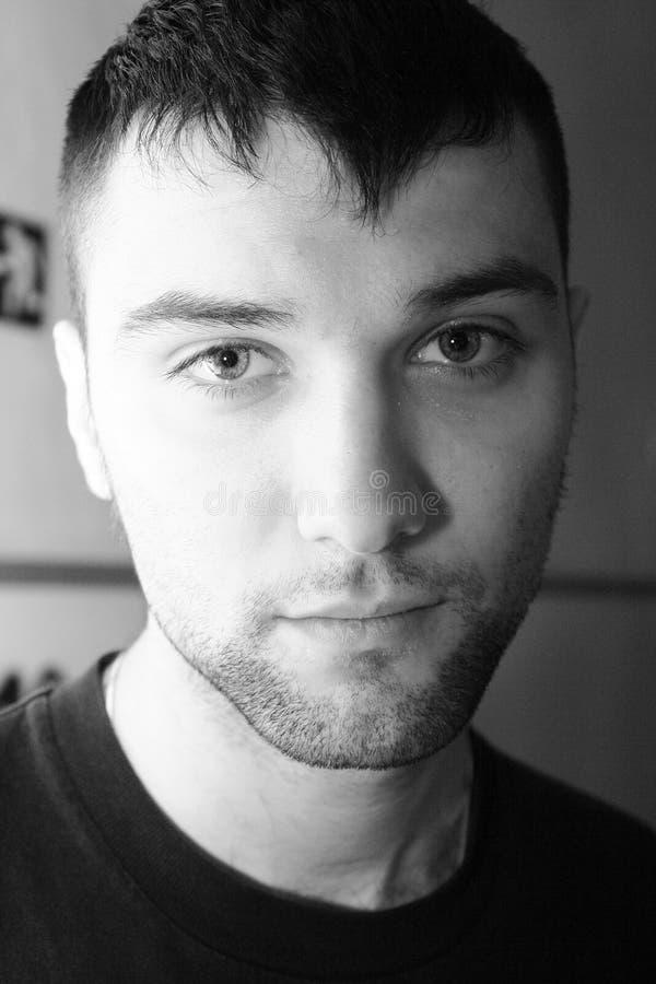 Junge Männer des Portraits lizenzfreie stockfotografie
