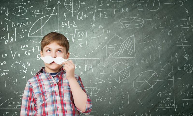 Junge mit dem Schnurrbart stockbilder