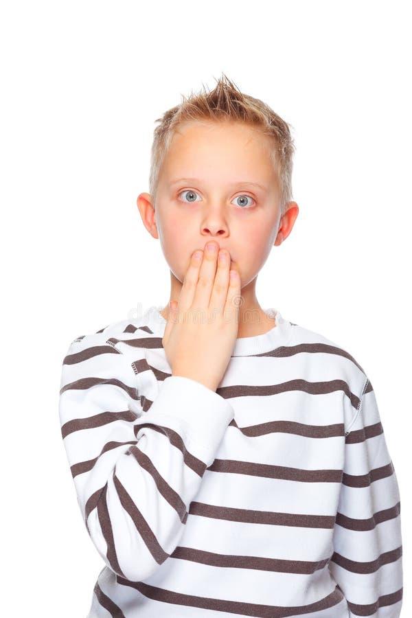 Ungewöhnlich Kleine Jungen Mit Verschlossenem Mund Fotos ...