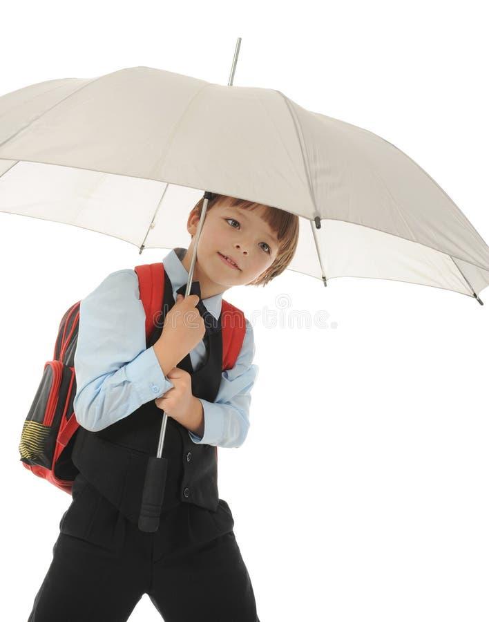 Junge mit einem Aktenkoffer lizenzfreie stockfotografie
