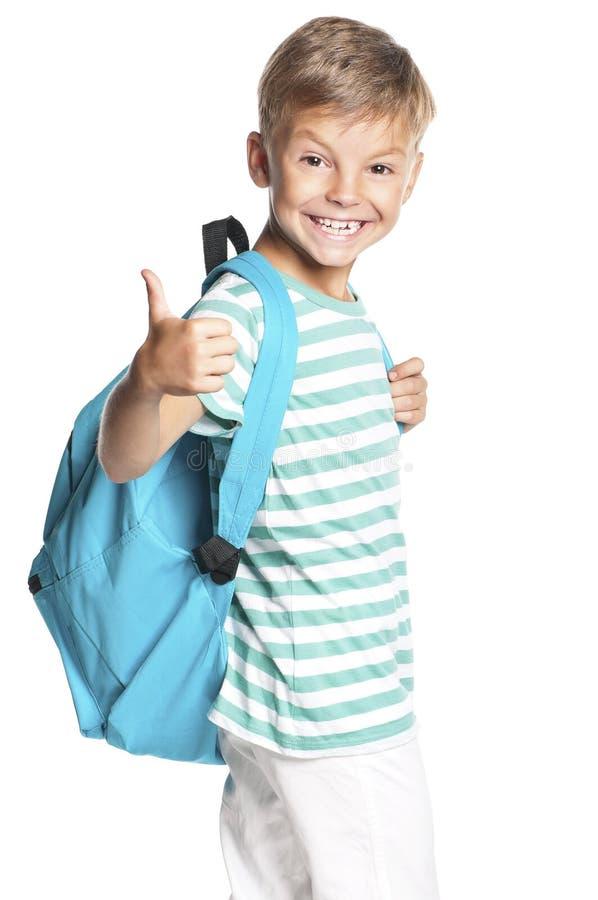 Junge mit Rucksack lizenzfreie stockfotos