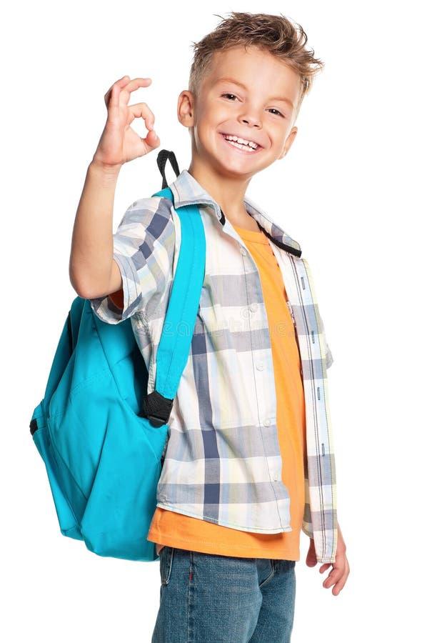 Junge mit Rucksack lizenzfreies stockfoto