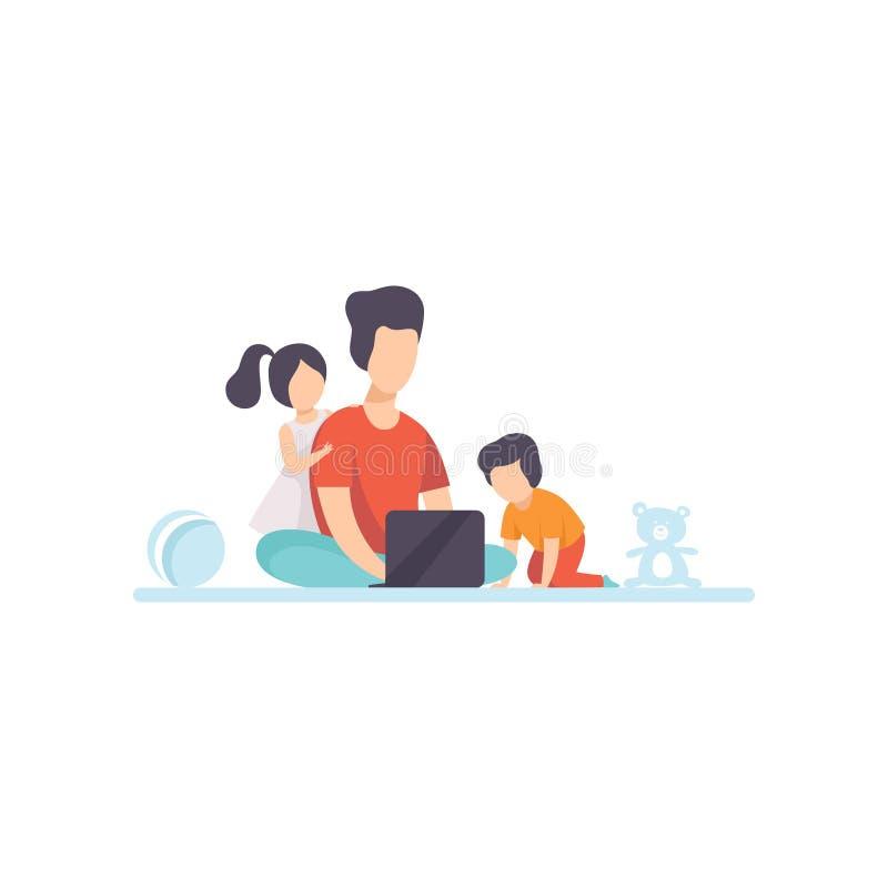 Junge Mutter, die auf Boden sitzt und an der Laptop-Computer, ihrer Tochter und Sohn spielen nahe bei ihr, Freiberufler arbeitet lizenzfreie abbildung