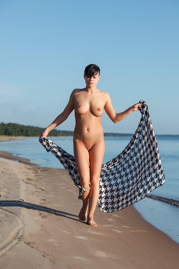 Nackt Frau Strand