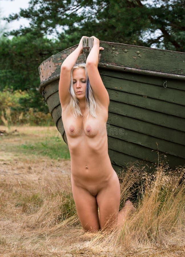Nackte Frauen Im Fitnessstudio