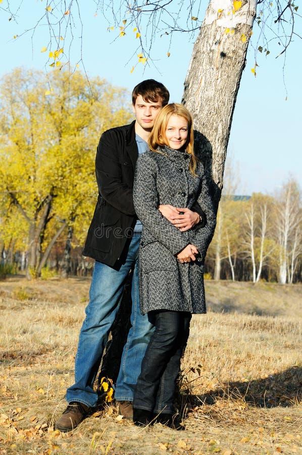 Junge Paare stockbilder