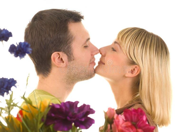 Junge Paare in der Liebe lizenzfreies stockfoto