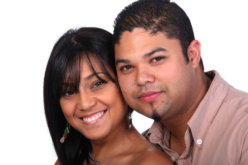 Junge Paare in der Liebe stockbild