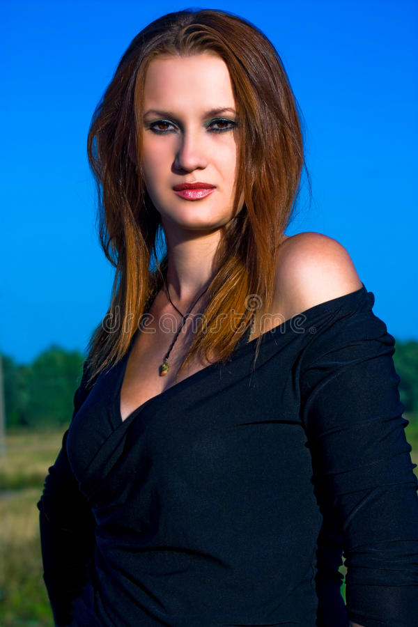 Junge red-haired Frau stockfotos