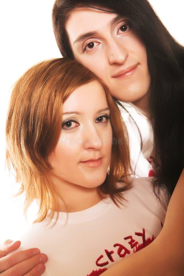 Junge romantische Paare stockfotografie